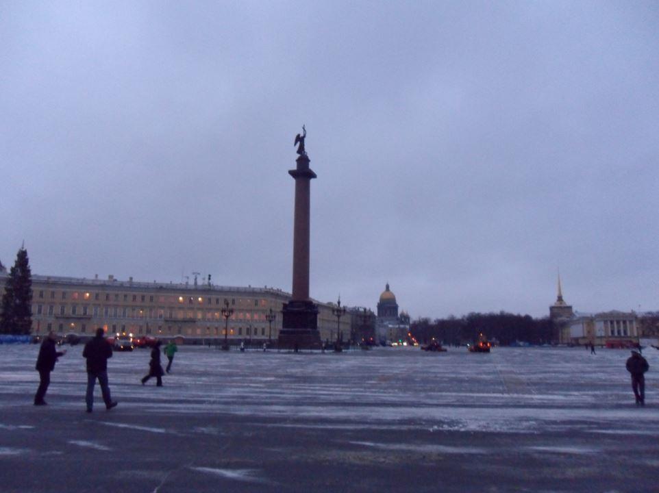 Place du Palais à St Petersbourg