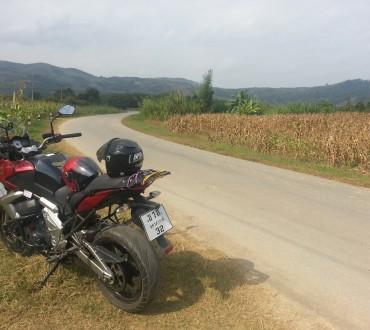 Louer une moto à Chiang Mai pour aller au Laos