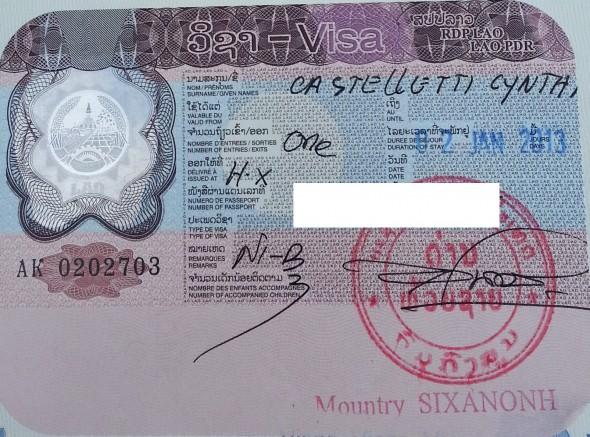 Formalités douanières de la frontière Chiang Khong (Thaïlande)/Houei Sai (Laos) en moto