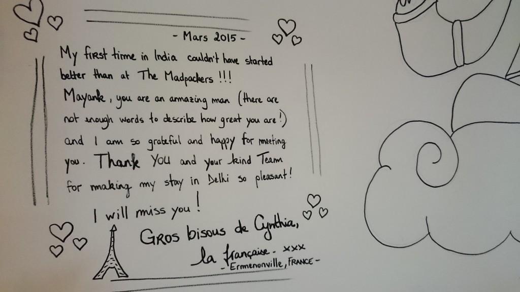 souvenir d'un message écrit sur le mur du Madpackers hostel de Delhi