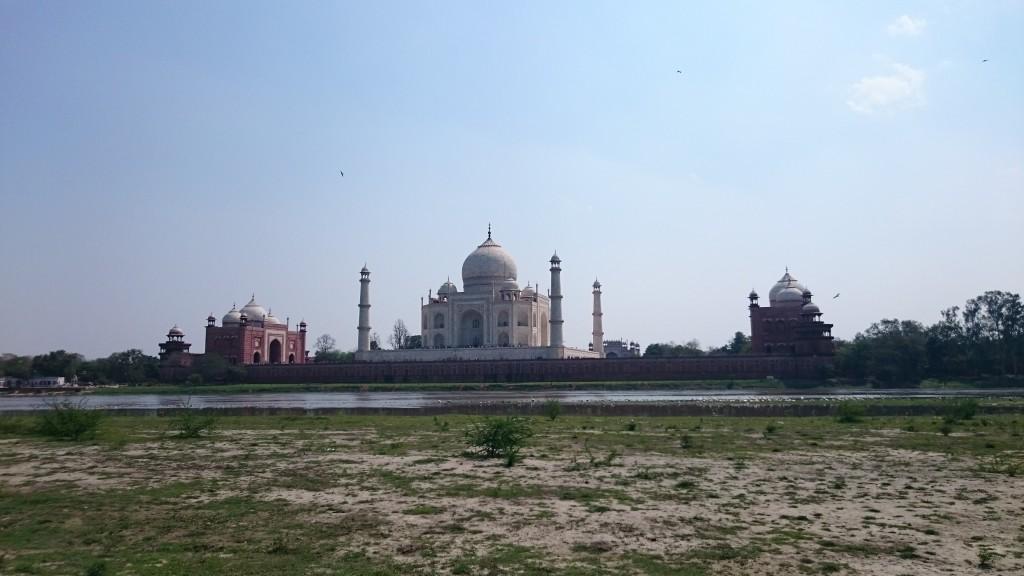 Le Taj Mahal vu de l'extérieur