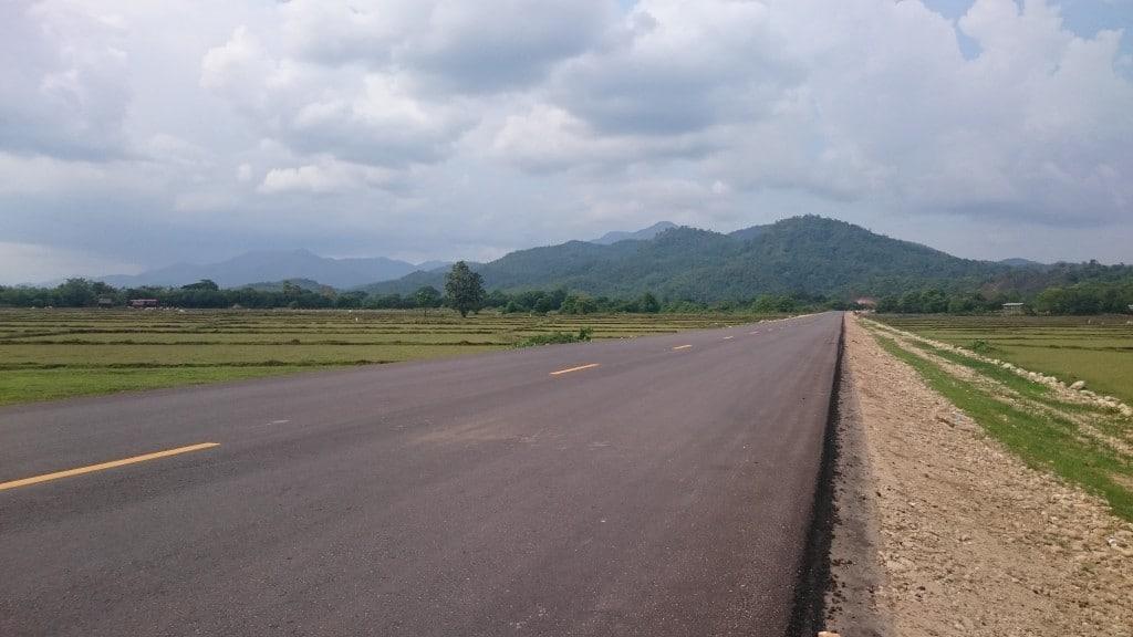 superbe route au Myanmar