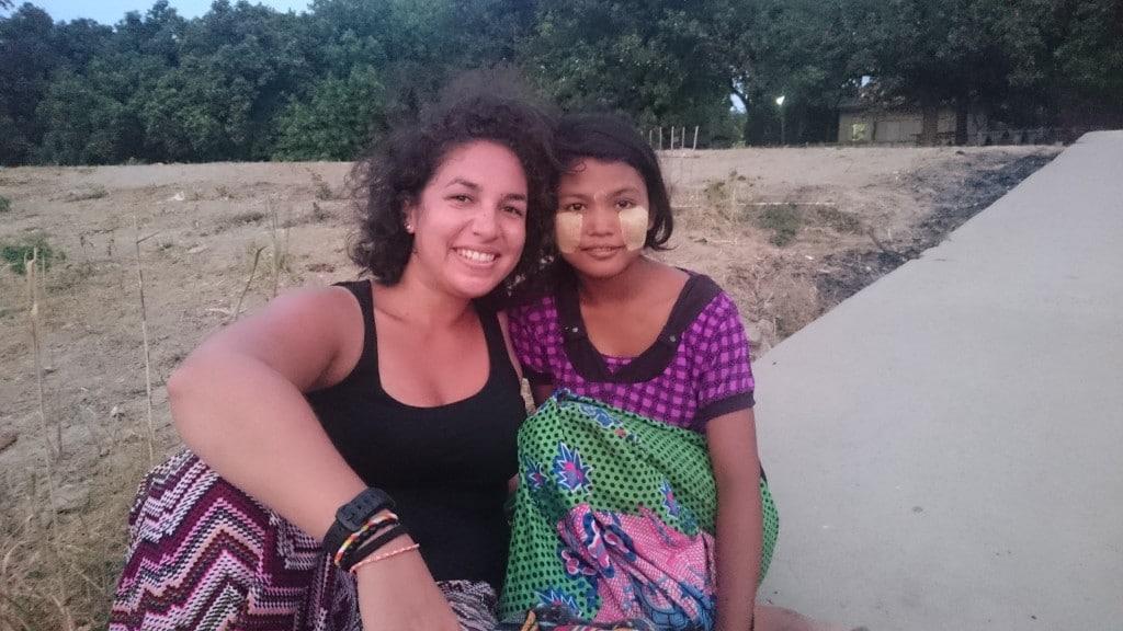 une jeune birmane et moi à Bagan