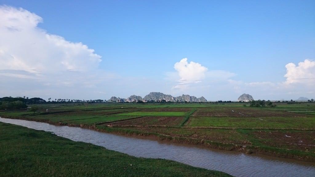 paysage magnifique aux environs de Hpa An en Birmanie