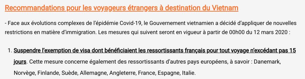 Extrait du site de l'ambassade du Vietnam en France mettant en avant la suspension de l'exemption de visa pour les voyages inférieurs à 15 jours à cause de l'épidémie de Covid-19